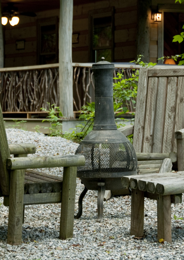 Poplar Lodge Firepit with Seating