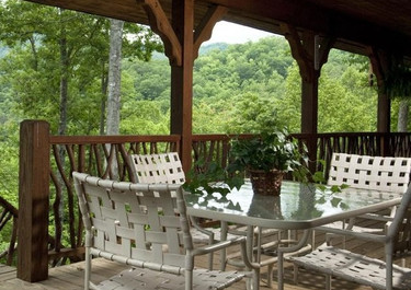 Dogwood Point Outdoor Seating