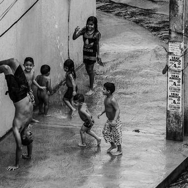 DESIGUALDADES E DESOBEDIÊNCIA: MUDANÇAS CLIMÁTICAS E O DIREITO DE RESPIRAR QUE PRECISAMOS AGORA