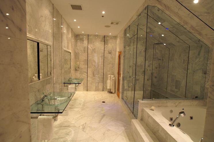 JFk Bathroom