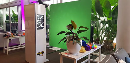 EH Photo Booths green screen 300319.jpg
