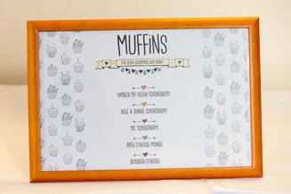 Aufsteller für das Muffin-Buffet
