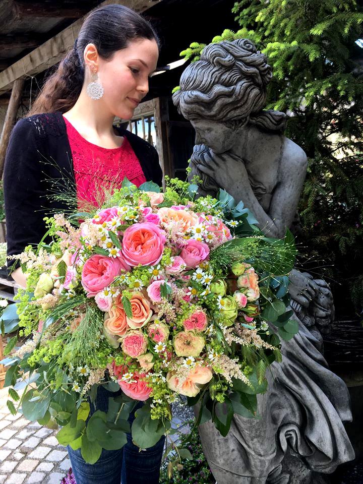 Habe die Ehre Blumenstrauß Eva