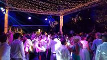 iluminacion de baile mezclada con iluminacion decorativa