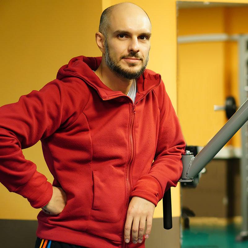 Денис Саблин, персональный тренер по фитнесу и бодибилдингу в Фитнес-Люди на Профсоюзной.
