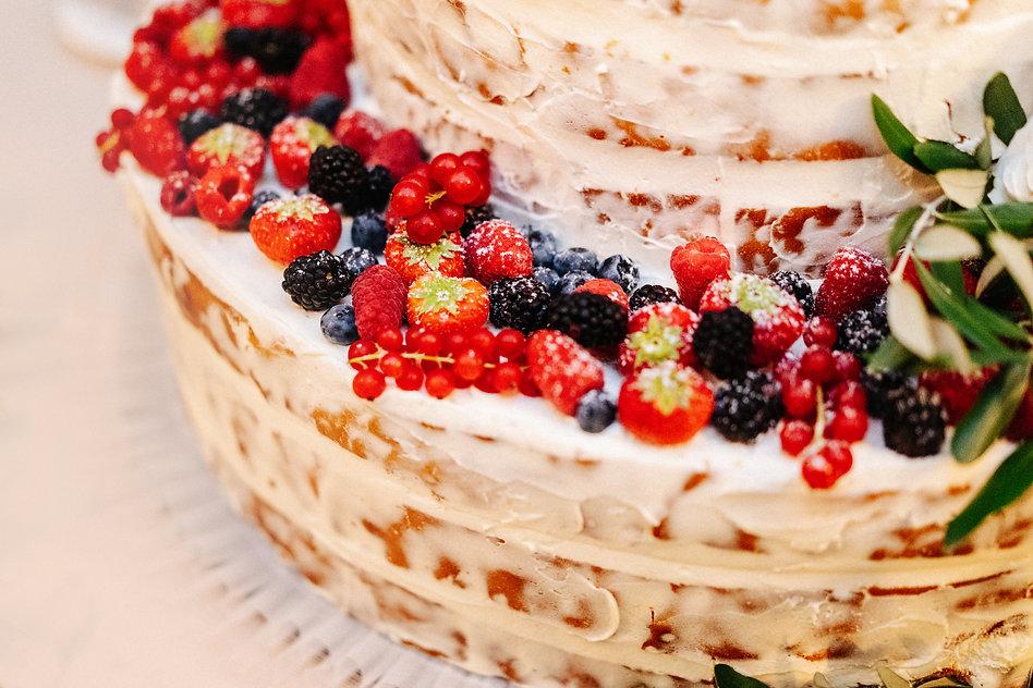 25. Italian wedding cake by Vila Lario c