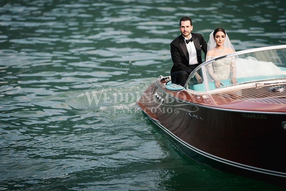 15. Lake Como Riva boat hire for wedding