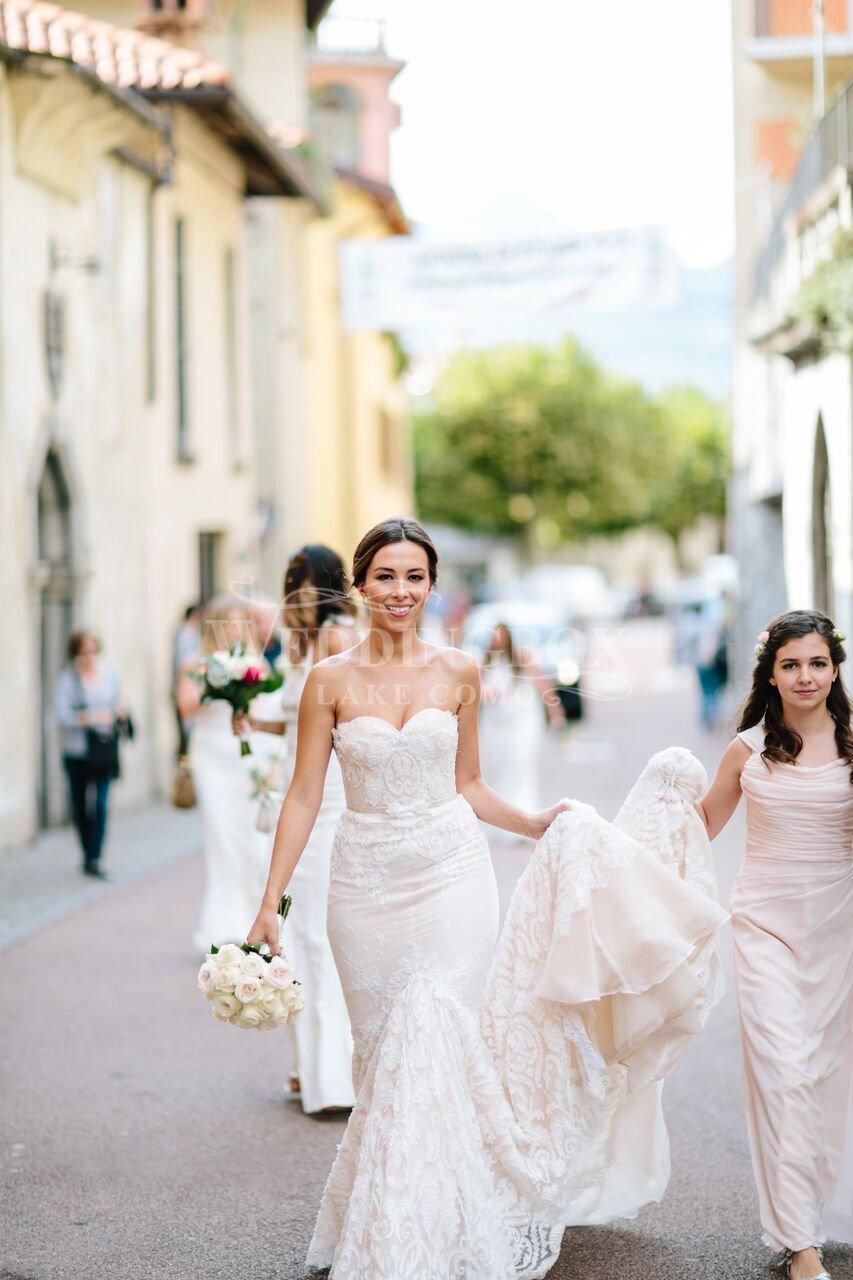 Bride arriving for her Lake Como wedding