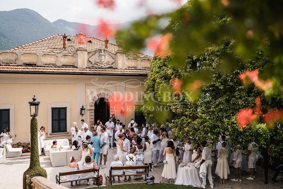 14. Buffet aperitivo at Villa Balbianell