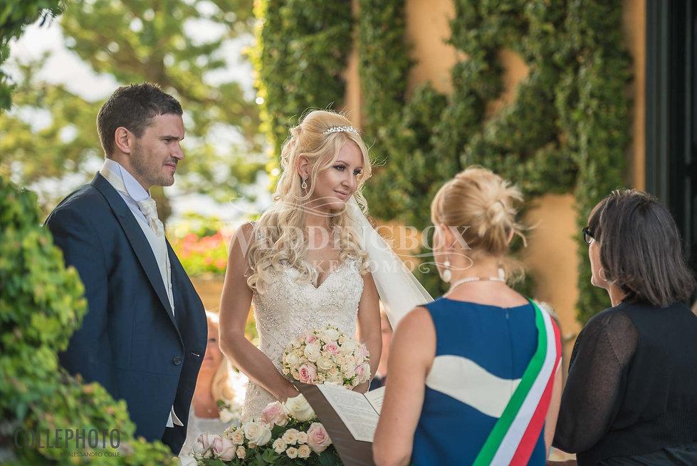 13. Exchanging vows at Villa Balbianello