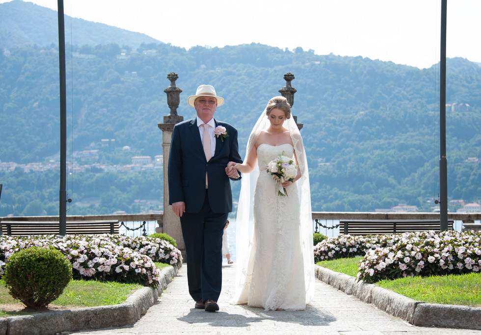 4. The bride arrives at Villa Bossi with