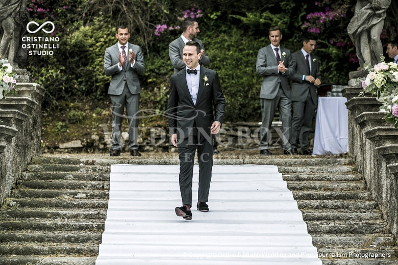 6. The entrance of the groomsmen. Villa