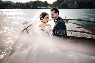 16b. Wedding photo shoot on Riva speedbo