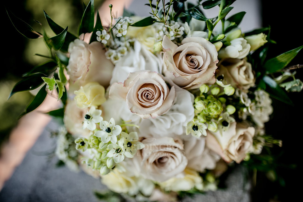 3. Wedding flowers. Lake Como bouquet.jp