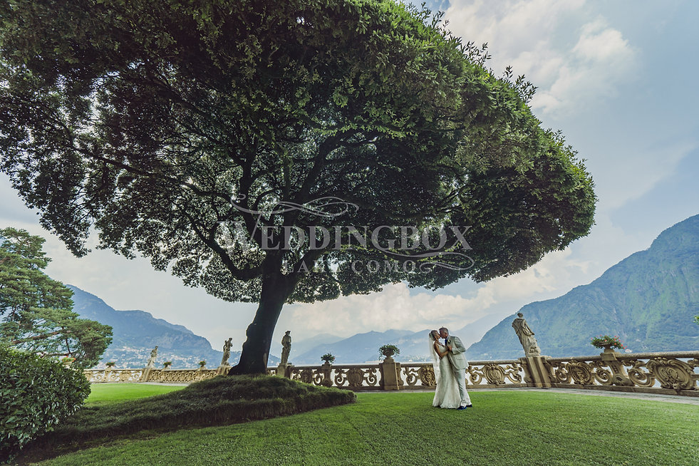 5. Lake Como wedding photos. The famous