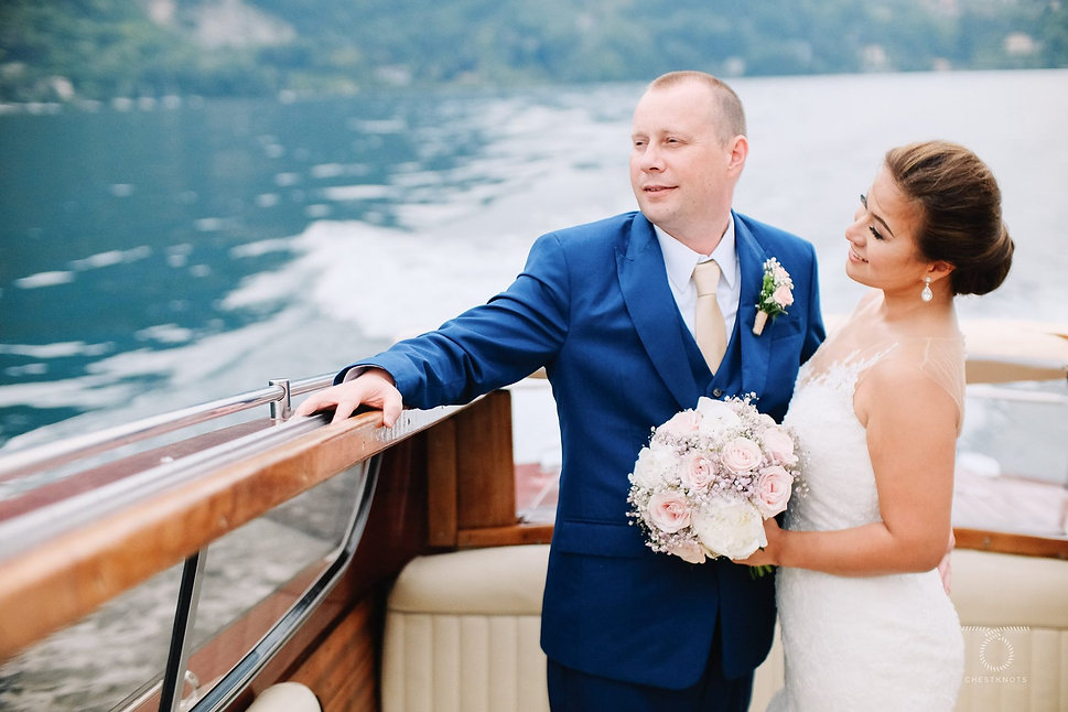 Lake Como wedding boat pictures.jpg