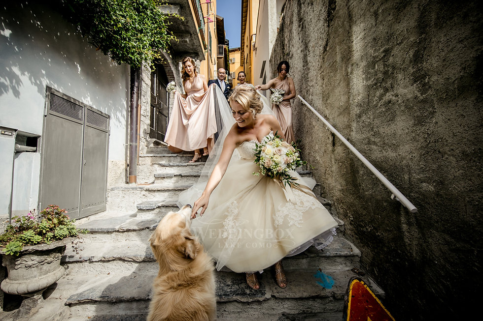 10. Varenna wedding party arrive.jpg