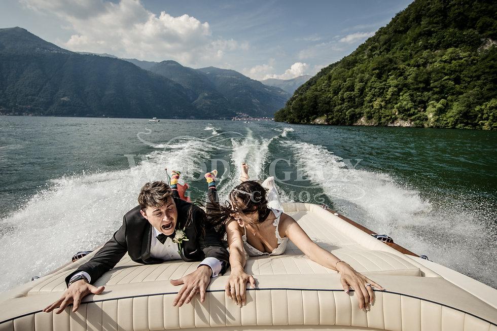 Fun wedding photos on Lake Como.jpg