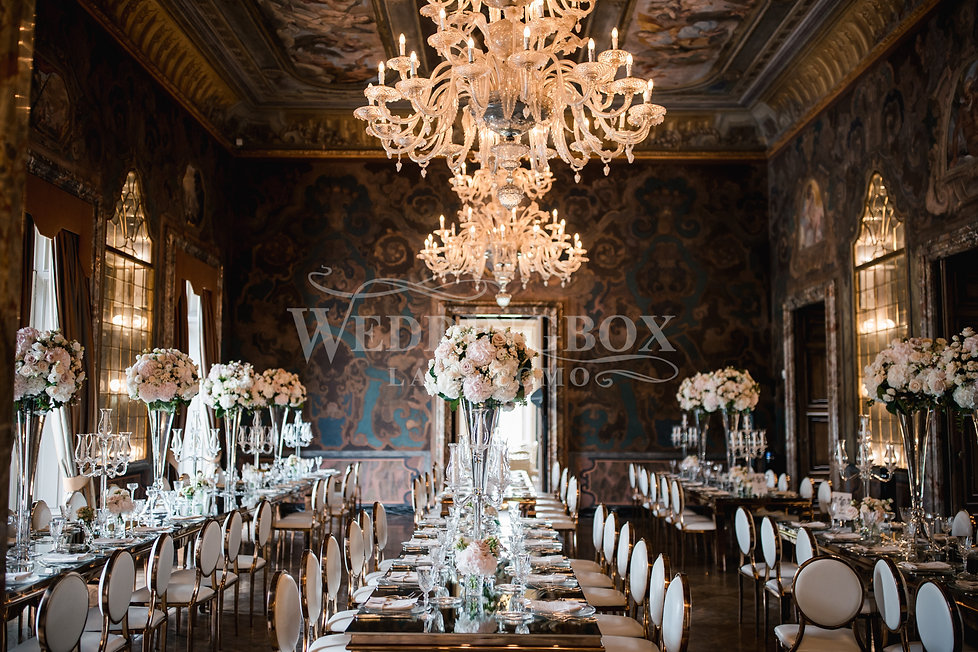 21. Grand dining at Villa Erba on Lake C