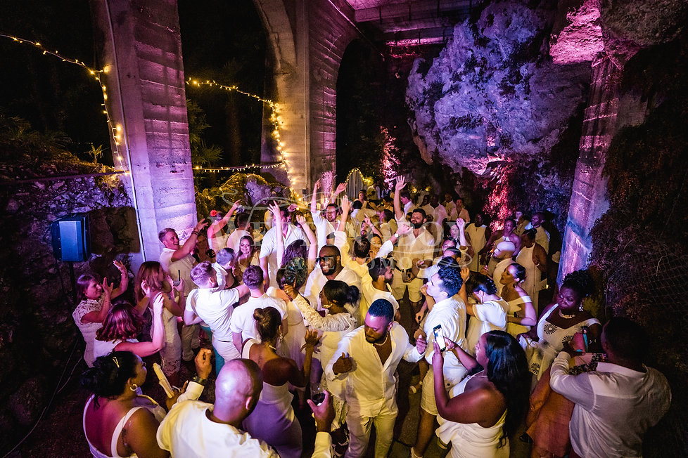 27. Dancing in the cave at Villa Lario L