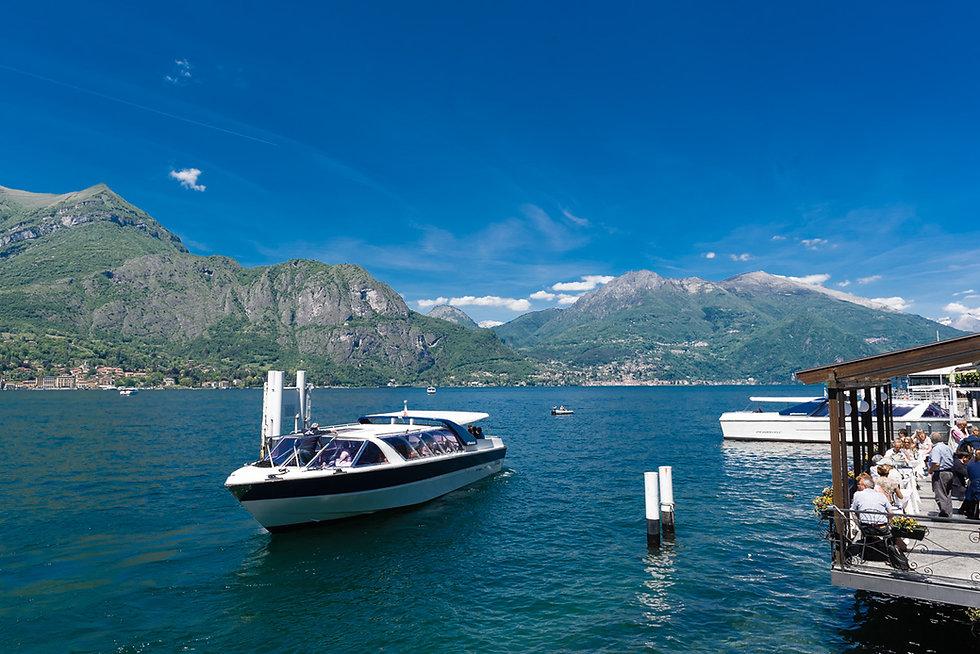 Guest boat Lake Como wedding.jpg