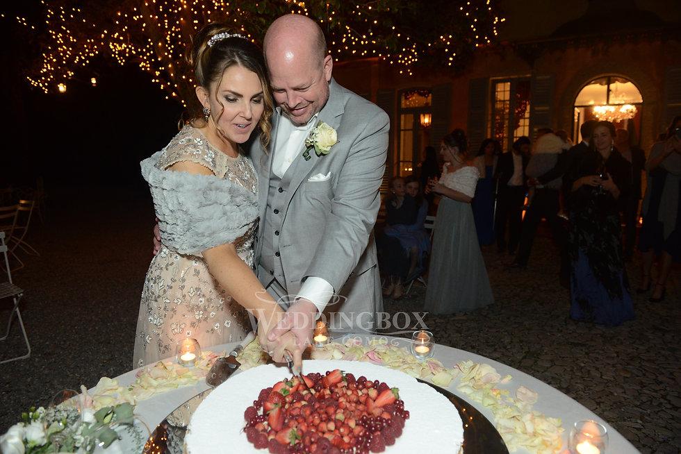 Villa Teodolinda weddings, cutting the c