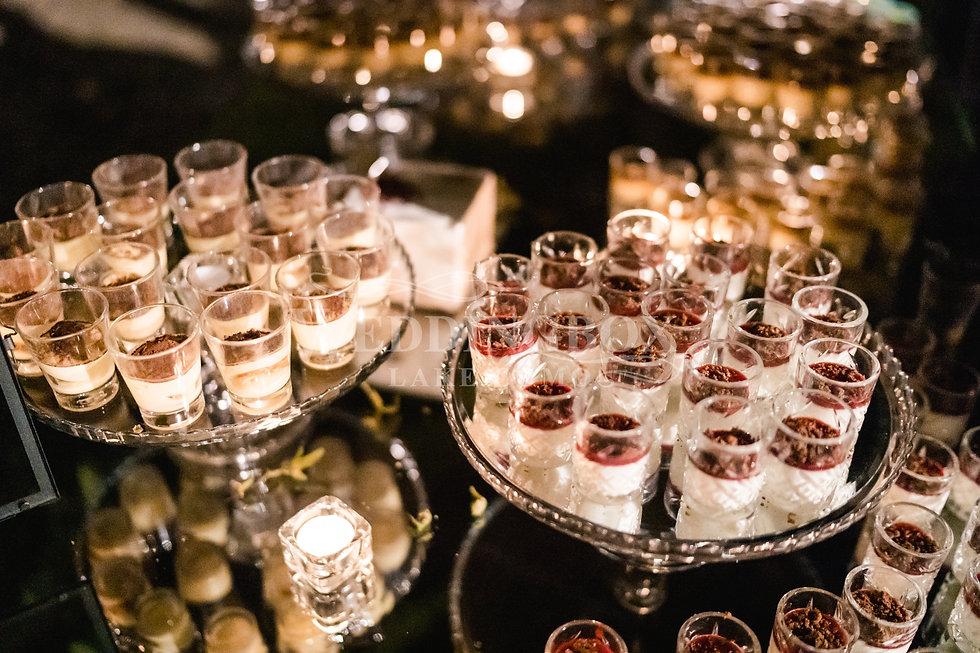 30. Wedding catering. Dessert buffet on