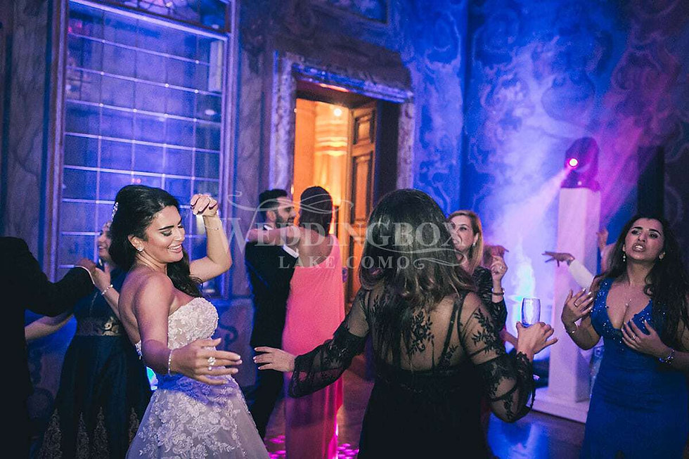 35 Wedding dance Lake Como Villa Erba.jp
