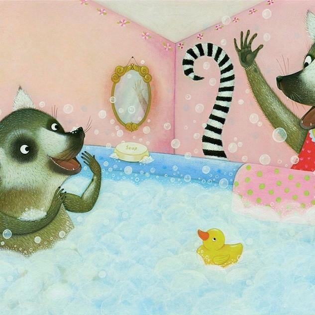 I Love my Mommy - Lemurs at bathtime