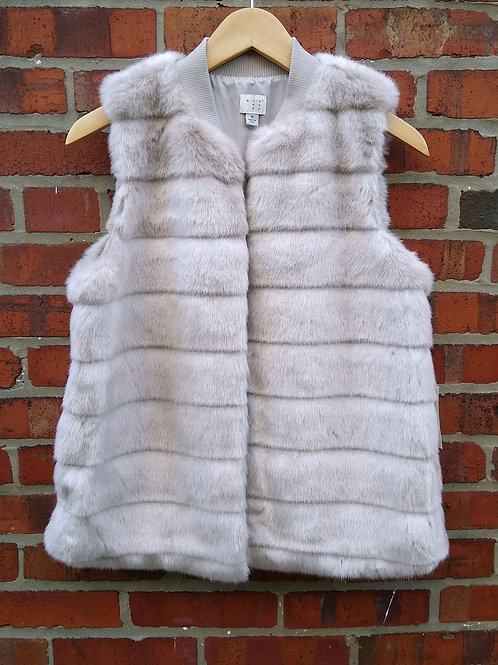 A New Day Grey Faux Fur Vest, new with tags, Size M