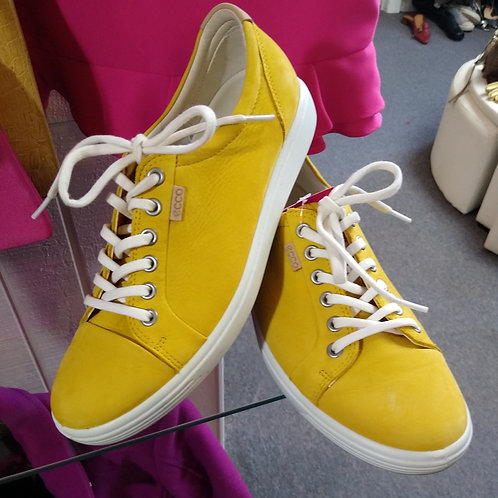 Ecco Yellow Shoes, Size 9