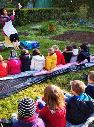Spectacle notre potager au jardin partagé avril 2019