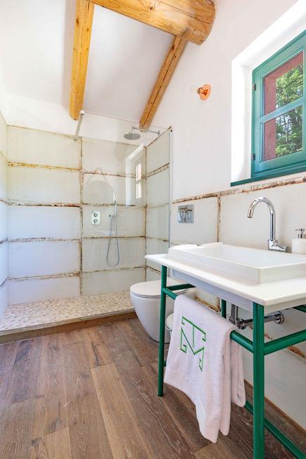Nibbiolo suite bathroom