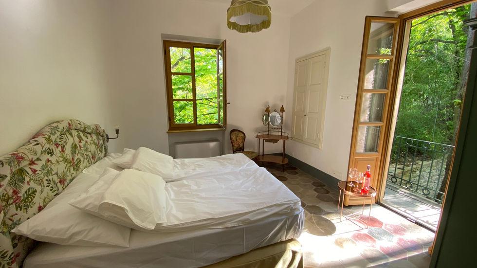 Arneis bedroom