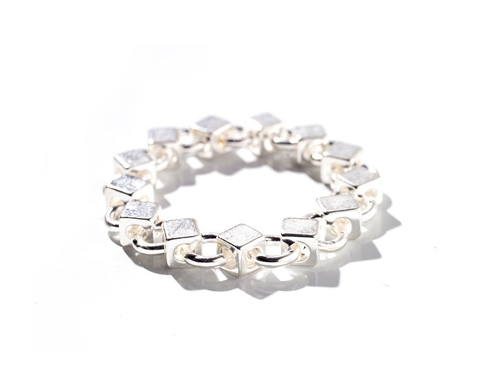 GOUTTE D'OR CHAIN RING.