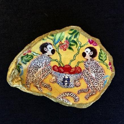 Decoupage Oyster Shell - Yellow Monkey