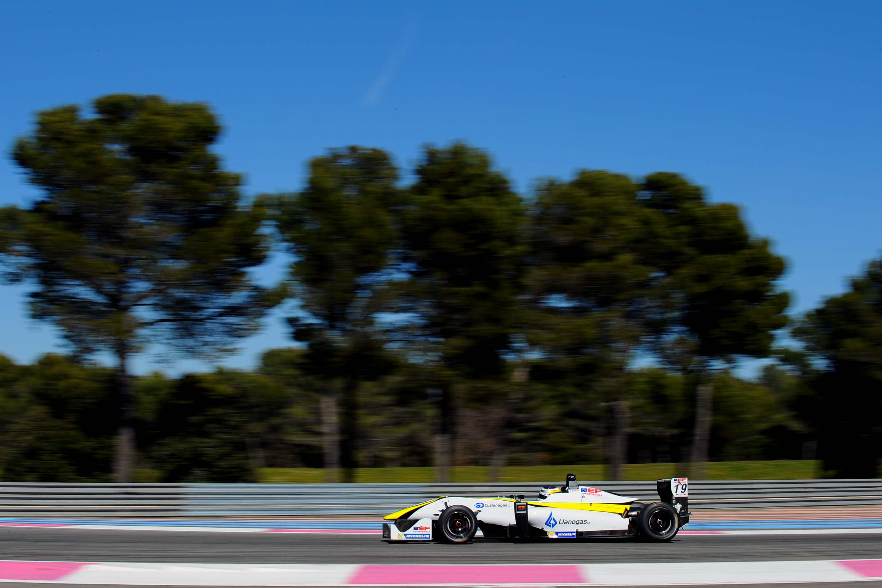 William Barbosa G Euroformula open test Paul Ricard marzo_15.HI.jpg