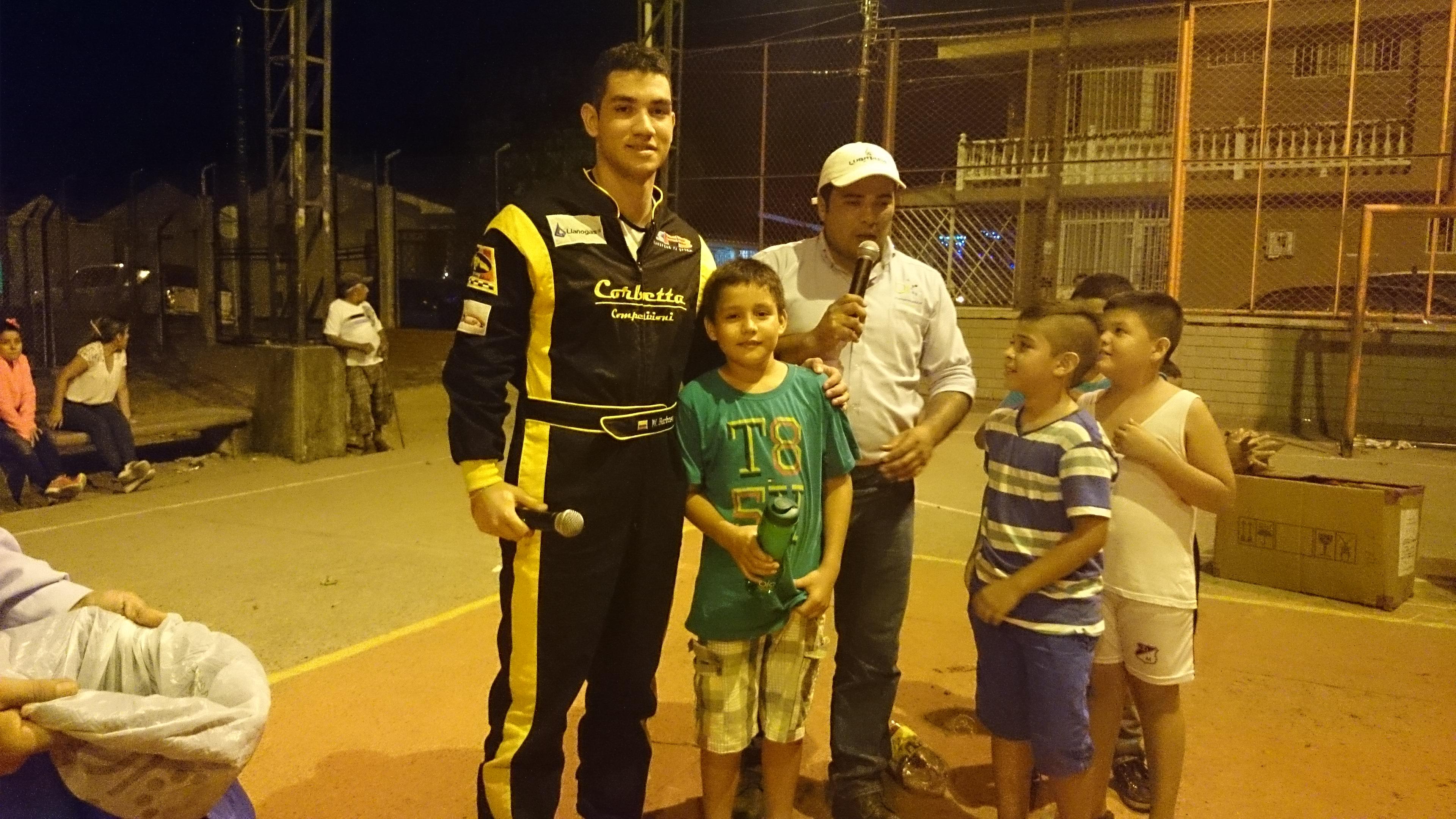 William Barbosa G Llanogas contigo diciembre 23_14_1.JPG