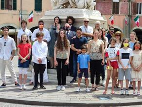 Heute um 18.00 Uhr Schüler unserer Schule im Teatro degli Industri !! Wir gehen zum Ende des Projekt