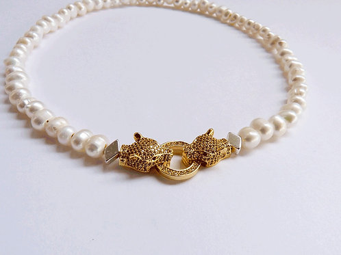 LION PEARLS NECKLACE