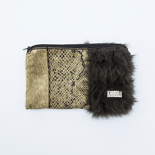 TAPESTRY ZIPPER CLUTCH WITH FAUX FUR