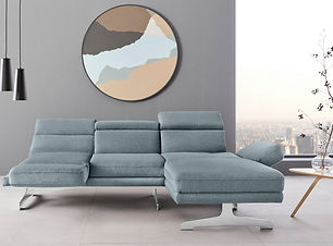 Eisblaues Sofa.jpg