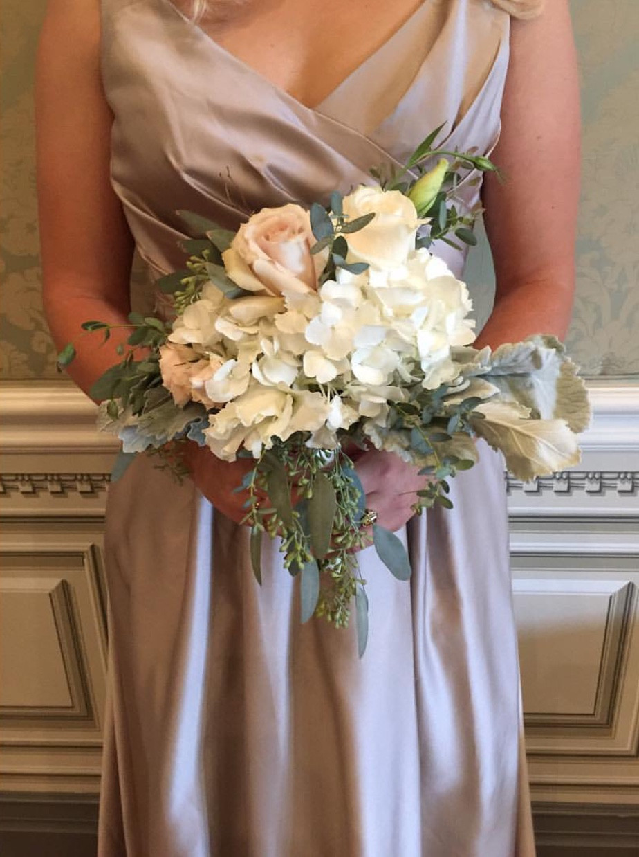 Eden Ingle Photo - Bridemaid Bouquet Ivory