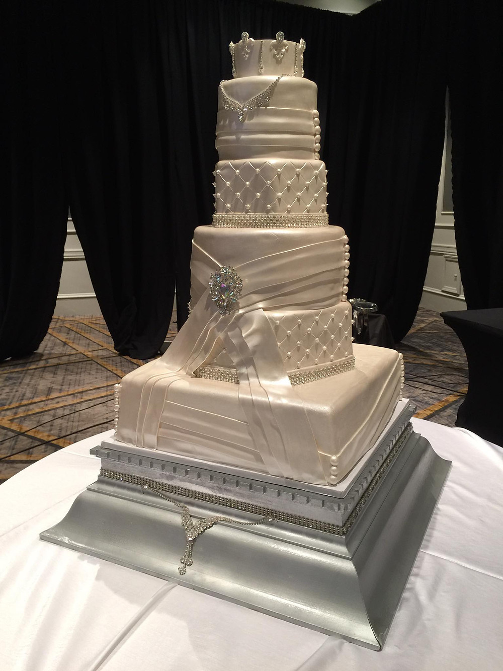 Signature Cakes by Vicki - Weddings & Events by Raina