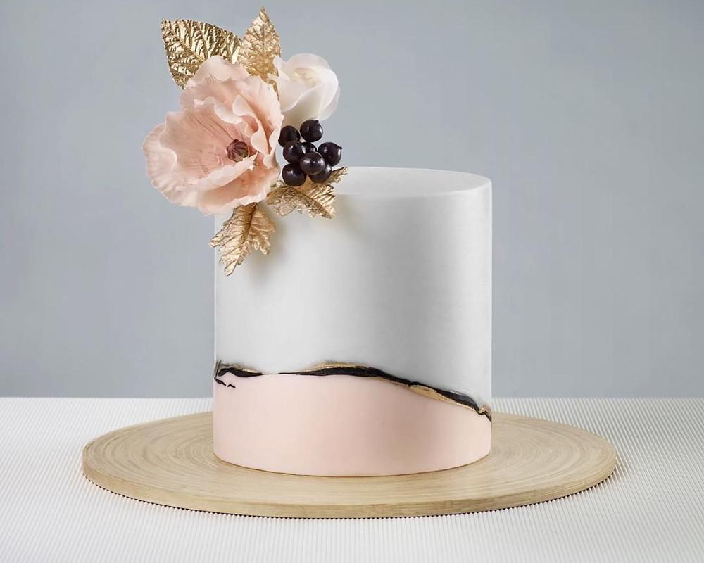 Kintsugi cake