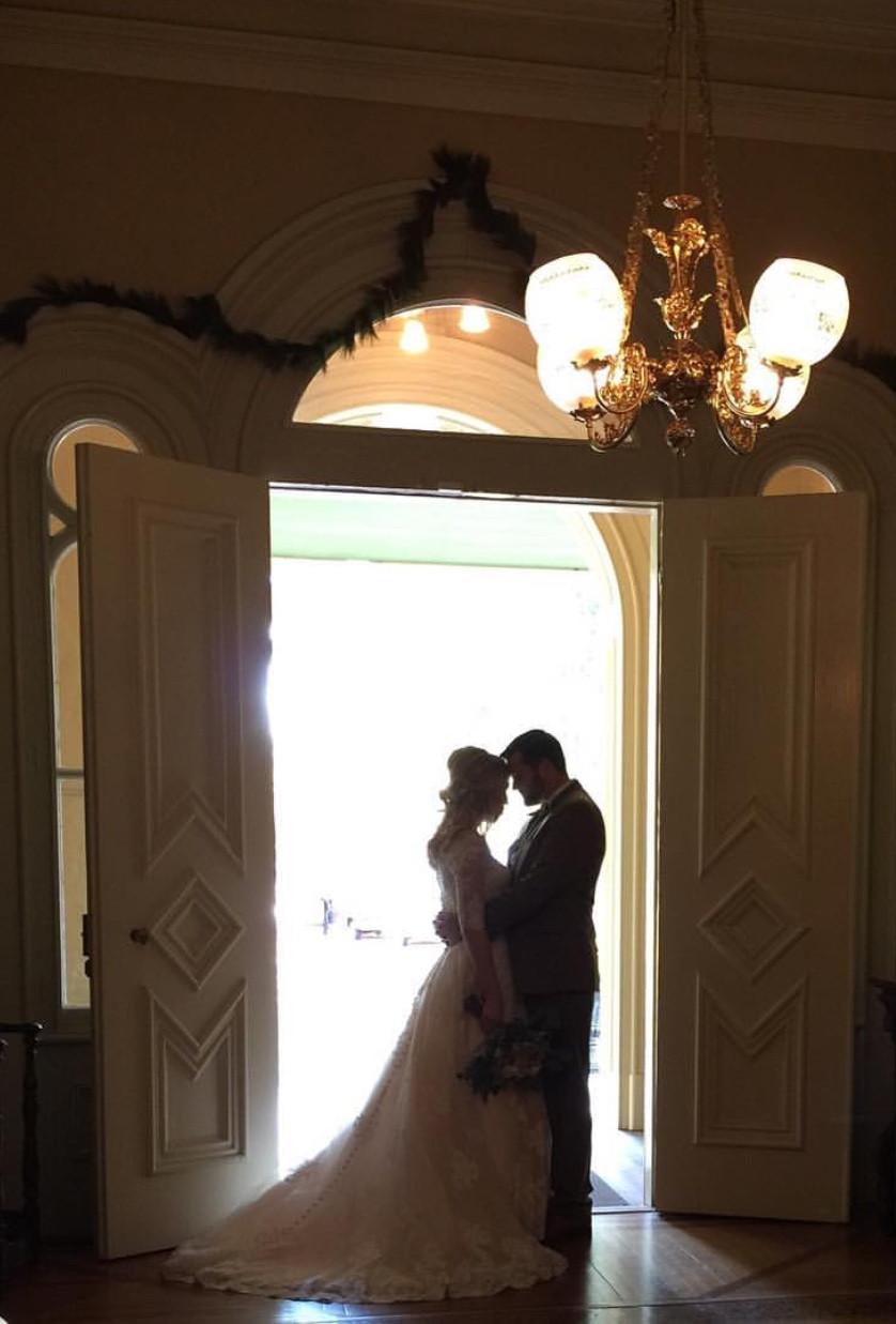 Eden Ingle Photo - Bride & Groom Silhouette