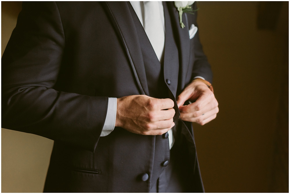 Portraits of the groom at Worsell Manor in Warwick, Maryland