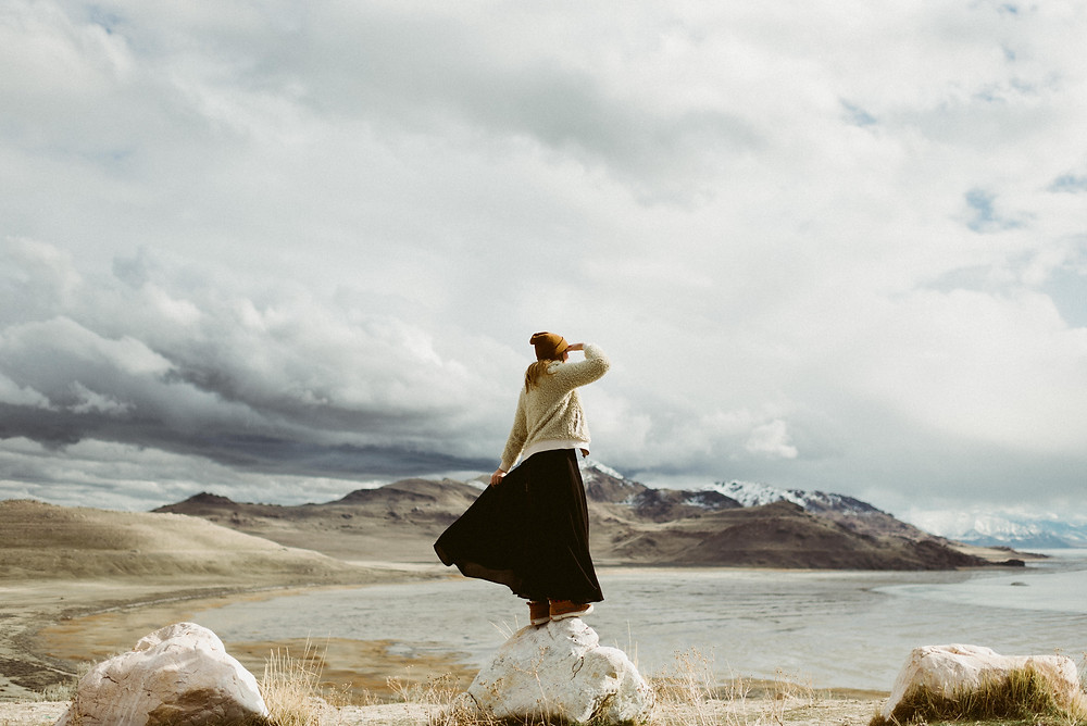 Adventurous Portrait Session on Antelope Island, Utah | Utah Outdoor Elopement