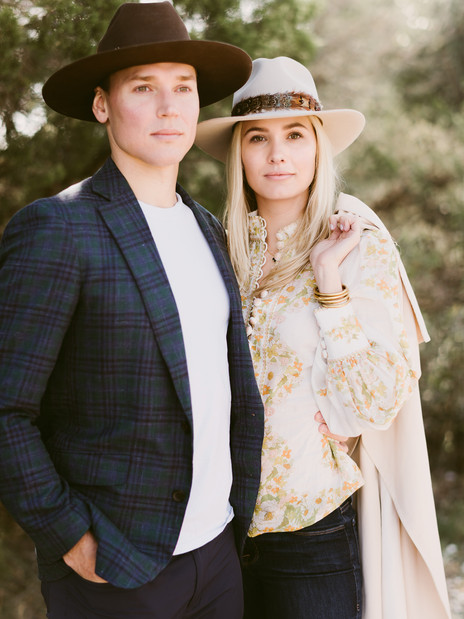 Spring Engagement Session in Austin, Texas | Destination Engagement Photos by Mountainaire Gathering
