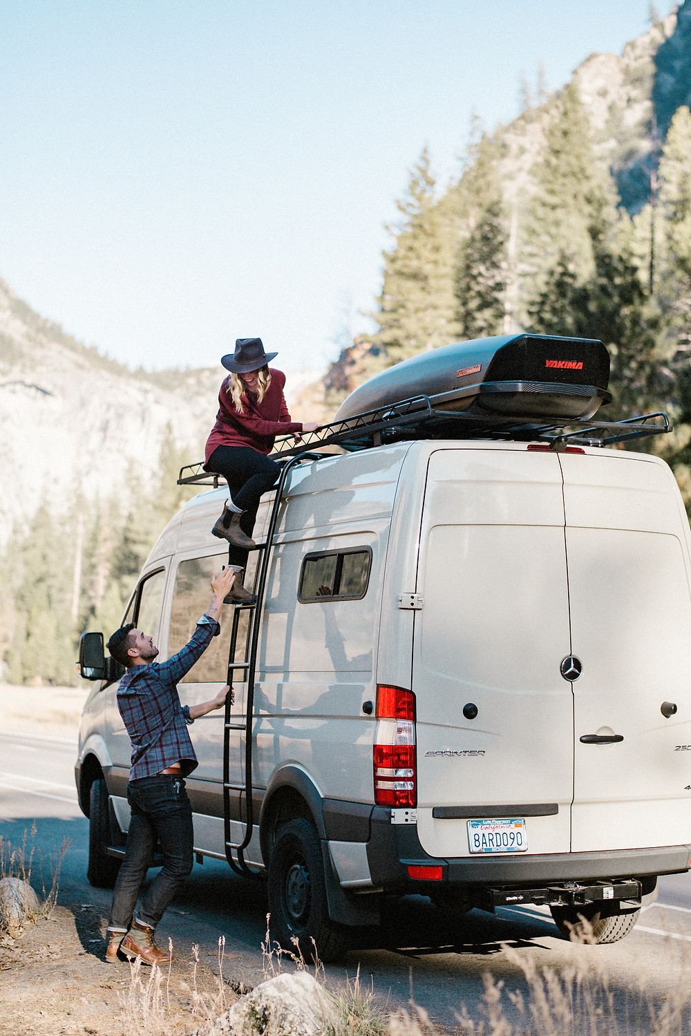 What to Wear for your Engagement session in Yosemite, California by Mountainaire Gatherings